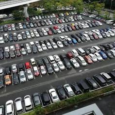棕榈泉生活广场停车场